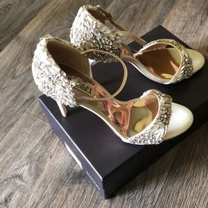Badgley Mischka ivory shoes with crystals size 10